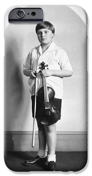 Violinist Yehudi Menuhin IPhone 6s Case by Underwood Archives