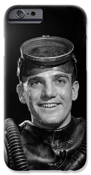Scuba Diver iPhone 6s Case - 1950s Portrait Of Man In Scuba Gear by Vintage Images