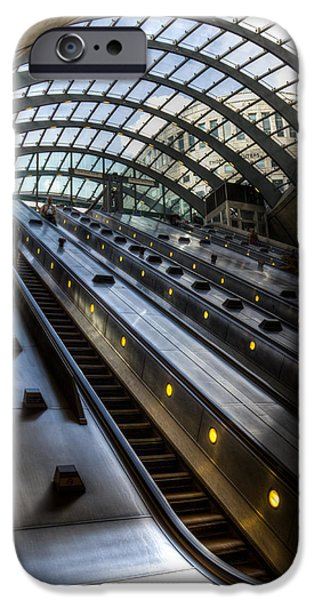Canary Wharf Station IPhone 6s Case by David Pyatt
