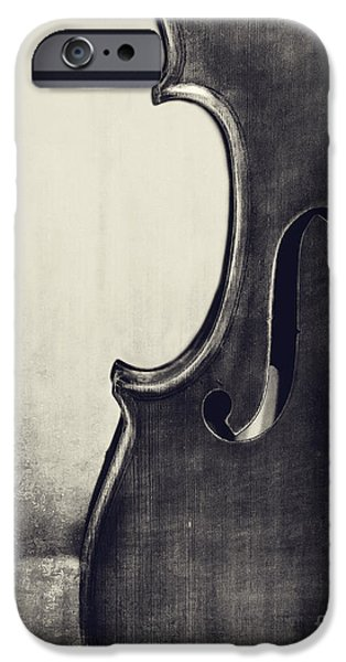 Violin iPhone 6s Case - An Old Violin In Black And White by Emily Kay