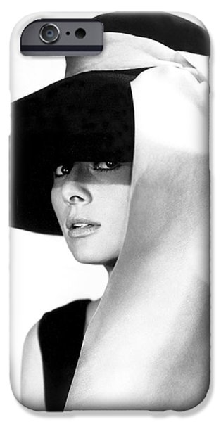 Audrey Hepburn iPhone 6s Case - Audrey Hepburn by Daniel Hagerman