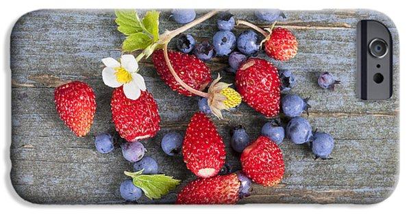 Blue Berry iPhone 6s Case - Berries On Rustic Wood  by Elena Elisseeva