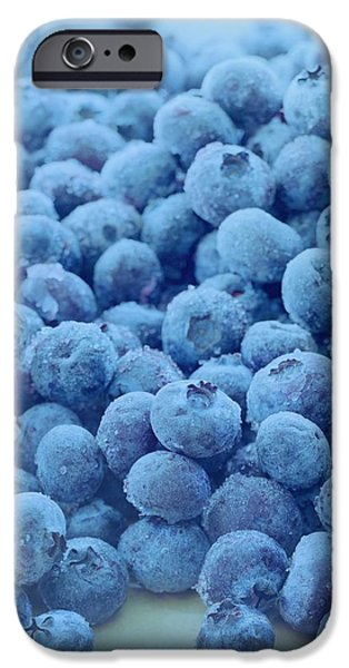 Blue Berry iPhone 6s Case - Blueberries by Romulo Yanes