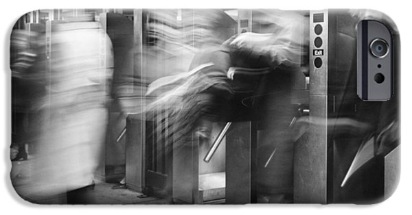 IPhone 6s Case featuring the photograph Blurred In Turnstile by Dave Beckerman