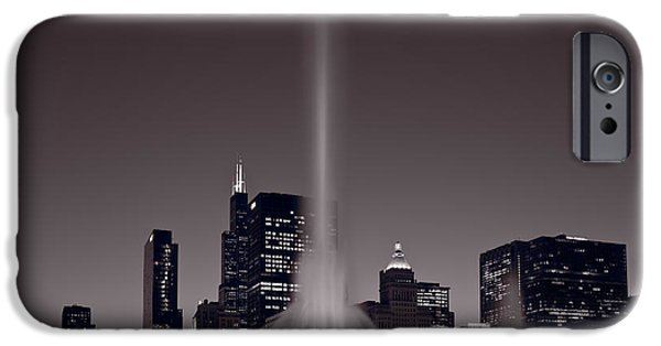 Chicago iPhone 6s Case - Buckingham Fountain Nightlight Chicago Bw by Steve Gadomski