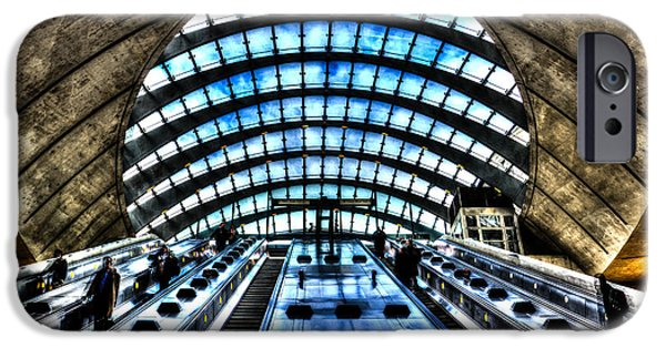 Canary Wharf Station IPhone 6s Case by David Pyatt