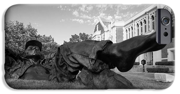 Chillin On The North Oval IPhone 6s Case by Nathan Hillis