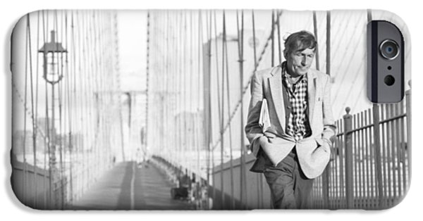 Crossing Brooklyn Bridge IPhone 6s Case
