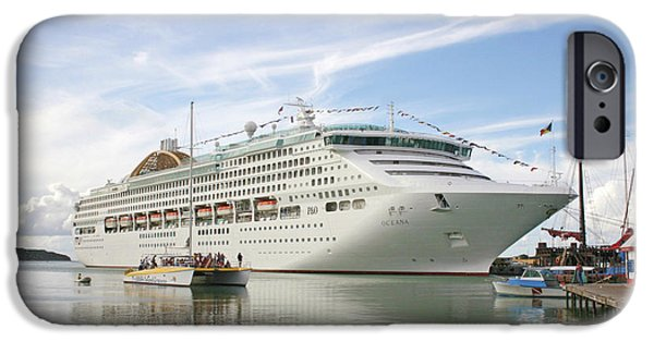 Cruise Ship iPhone 6s Case - Cruise Ship by Graeme Ewens/science Photo Library