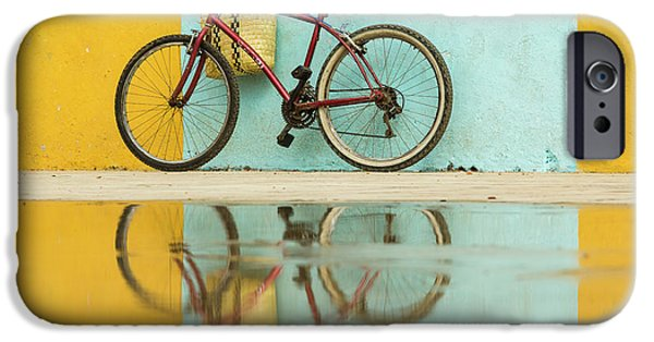 Bicycle iPhone 6s Case - Cuba, Trinidad Bicycle And Reflection by Brenda Tharp