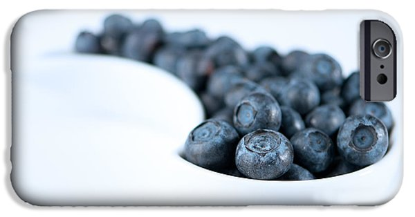 Blue Berry iPhone 6s Case - Dish Of Blueberries by Amanda Elwell