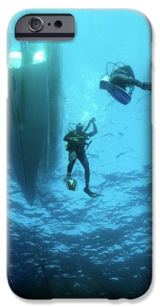 Scuba Diver iPhone 6s Case - Divers Descending From A Boat by Louise Murray