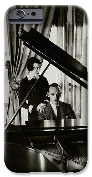 Fred And Adele Astaire At A Piano IPhone 6s Case by Cecil Beaton