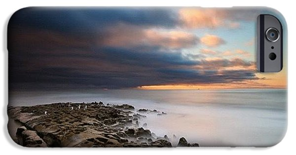 iPhone 6s Case - Long Exposure Sunset Of An Incoming by Larry Marshall