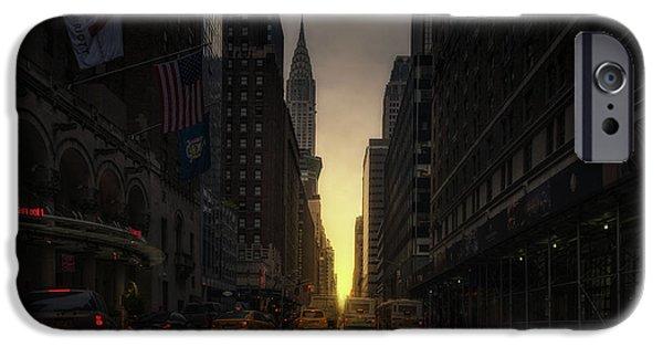 Chrysler Building iPhone 6s Case - Manhattanhenge by David Mart?n Cast?n