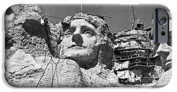 Mount Rushmore In South Dakota IPhone 6s Case by Underwood Archives