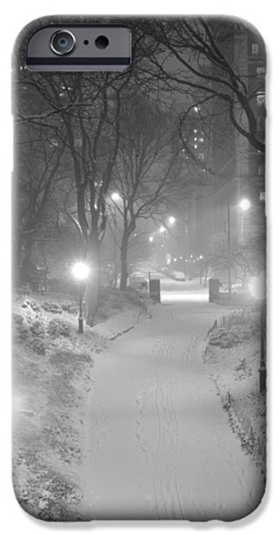 IPhone 6s Case featuring the photograph Night Storm New York by Dave Beckerman