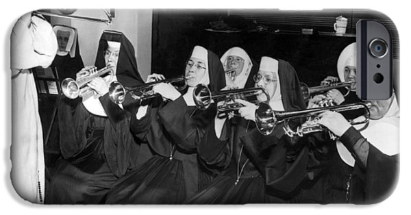 Trombone iPhone 6s Case - Nuns Rehearse For Concert by Underwood Archives