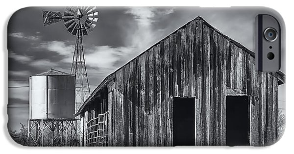 Old Barn No Wind IPhone 6s Case by Mark Myhaver