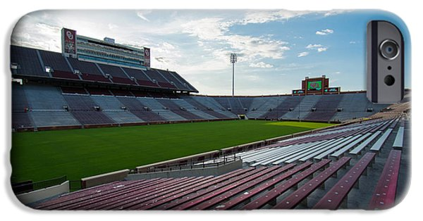 Owen Field  IPhone 6s Case by Nathan Hillis