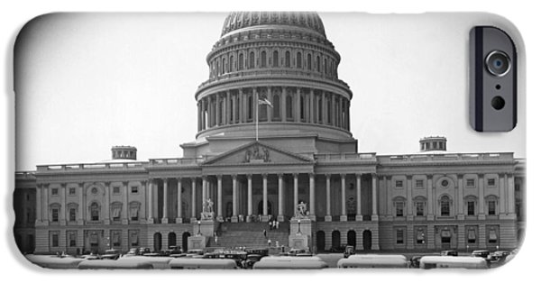 Capitol Building iPhone 6s Case - Roosevelt Caravan Trailers by Underwood Archives