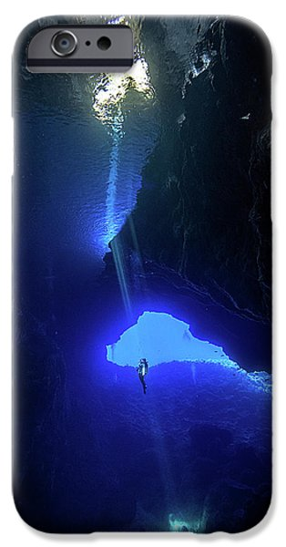 Scuba Diving iPhone 6s Case - Sound From Sky by Charlie Jung