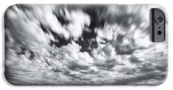 iPhone 6s Case - We Have Had Lots Of High Clouds And by Larry Marshall