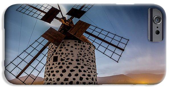 Canary iPhone 6s Case - Windmill by Martin Zalba