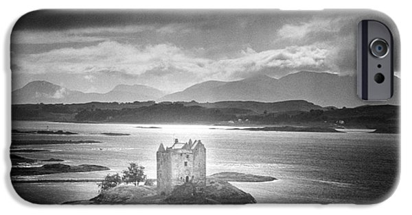 Dungeon iPhone 6s Case - Castle Stalker by Simon Marsden