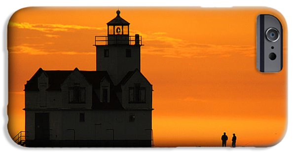 Morning Friends IPhone 6s Case by Bill Pevlor