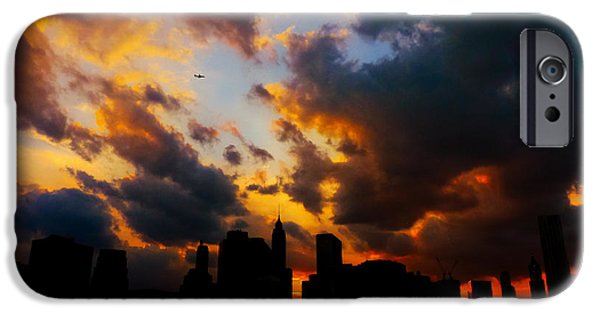 New York City Skyline At Sunset Under Clouds IPhone 6s Case