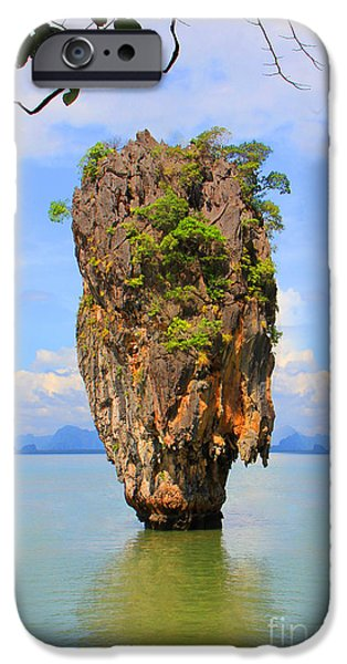 007 Island IPhone 6s Case by Mark Ashkenazi