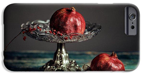 Blue Berry iPhone 6s Case - Pomegranate by Nailia Schwarz