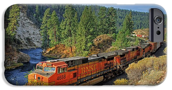 Train iPhone 6s Case - 4688 by Donna Kennedy