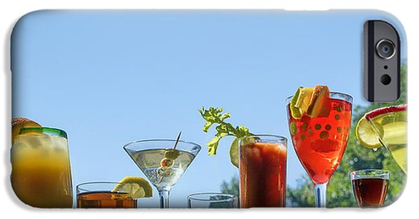Alcoholic Beverages - Outdoor Bar IPhone 6s Case by Nikolyn McDonald
