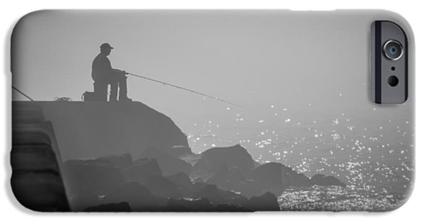 Angling In A Fog  IPhone 6s Case by Bill Pevlor