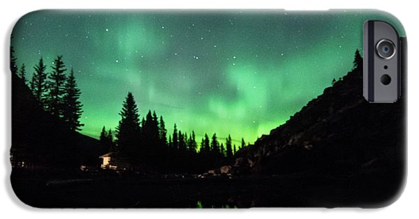 Aurora On Moraine Lake IPhone 6s Case