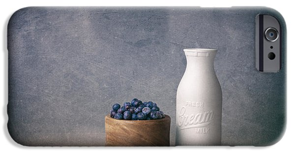 Blue Berry iPhone 6s Case - Blueberries And Cream by Tom Mc Nemar