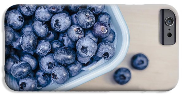 Blue Berry iPhone 6s Case - Bowl Of Fresh Blueberries by Edward Fielding
