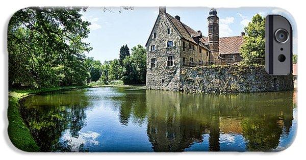 Castle iPhone 6s Case - Burg Vischering by Dave Bowman