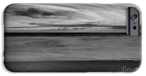 IPhone 6s Case featuring the photograph Calming Seas by Linda Lees