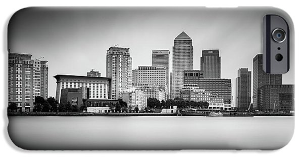 Canary iPhone 6s Case - Canary Wharf, London by Ivo Kerssemakers