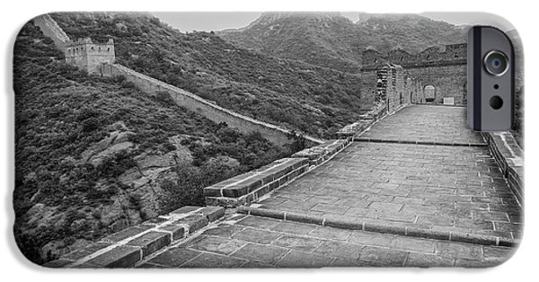 IPhone 6s Case featuring the photograph Great Wall 5, Jinshanling, 2016 by Hitendra SINKAR