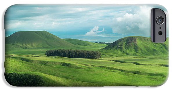 Green Hills On The Big Island Of Hawaii IPhone 6s Case by Larry Marshall