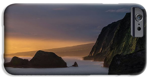Hawaii Sunrise At The Pololu Valley Lookout IPhone 6s Case by Larry Marshall