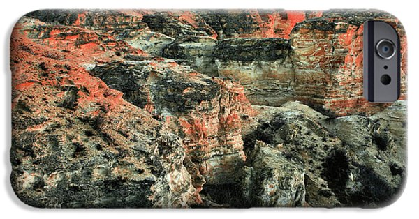 IPhone 6s Case featuring the photograph Layers In The Kansas Badlands by Kyle Findley