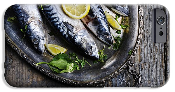 Mackerels On Silver Plate IPhone 6s Case by Jelena Jovanovic