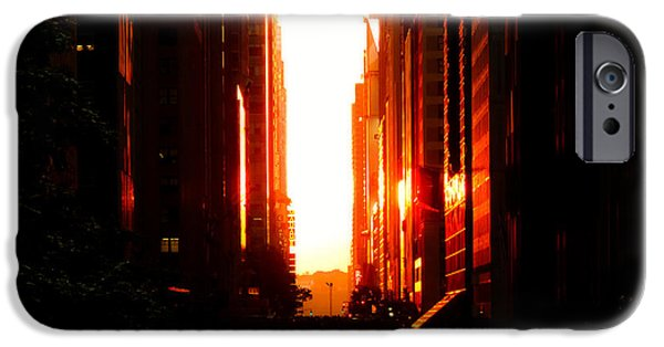Manhattanhenge Sunset Overlooking Times Square - Nyc IPhone 6s Case