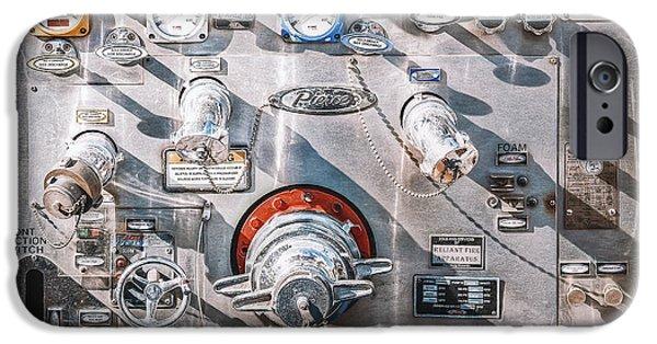 Truck iPhone 6s Case - Milwaukee Fire Department Engine 27 by Scott Norris