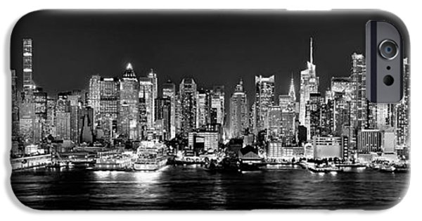 New York City Skyline iPhone 6s Case - New York City Nyc Skyline Midtown Manhattan At Night Black And White by Jon Holiday
